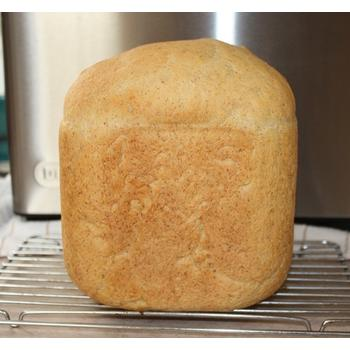 White bread baked using DeLonghi popular DBM450 Bread Machine